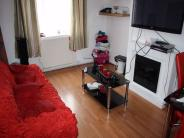 2 bedroom Ground Flat in Montrose Court, The Hyde...