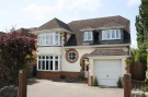 5 bedroom Detached house in Yewstock Crescent West...