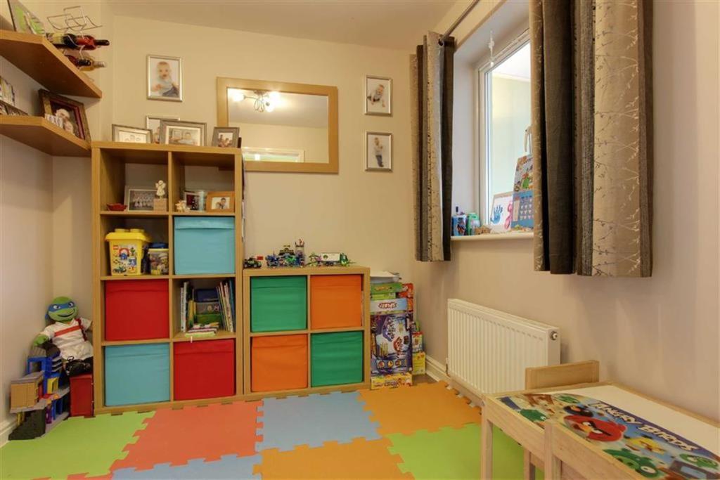 Dining room/playroom