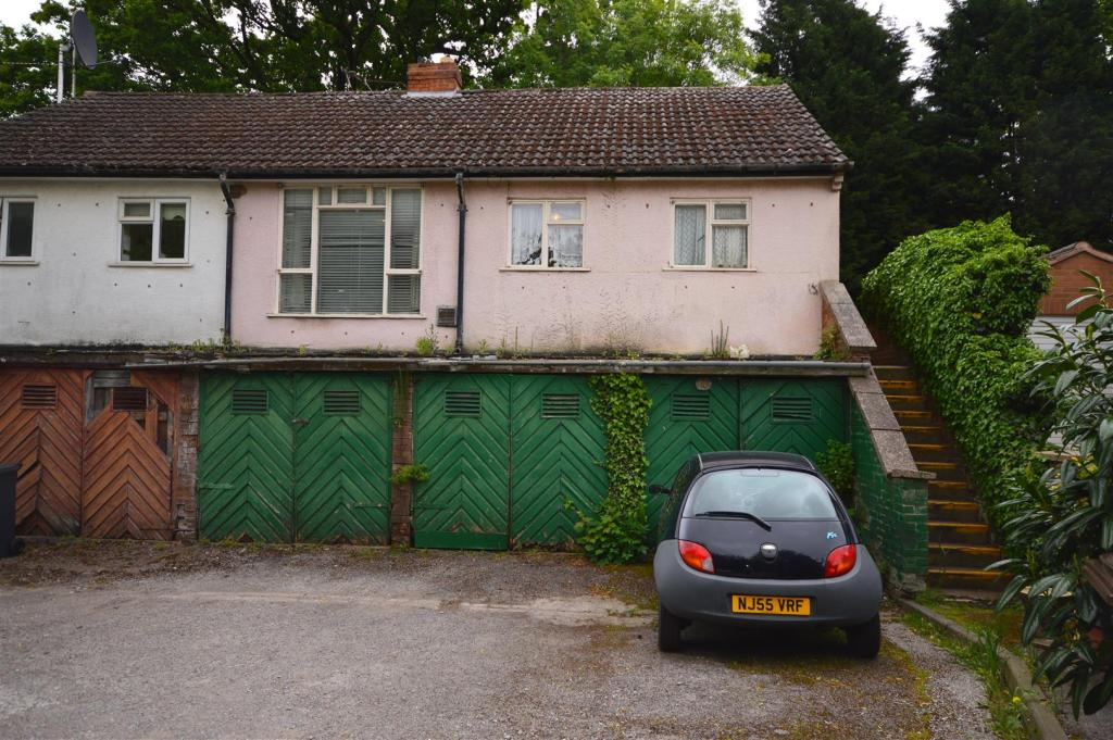 2 Bedroom Mews House For Sale In Elmdon Road Marston Green Birmingham B37