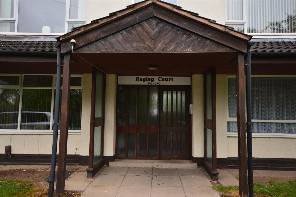 4) front entrance.JP