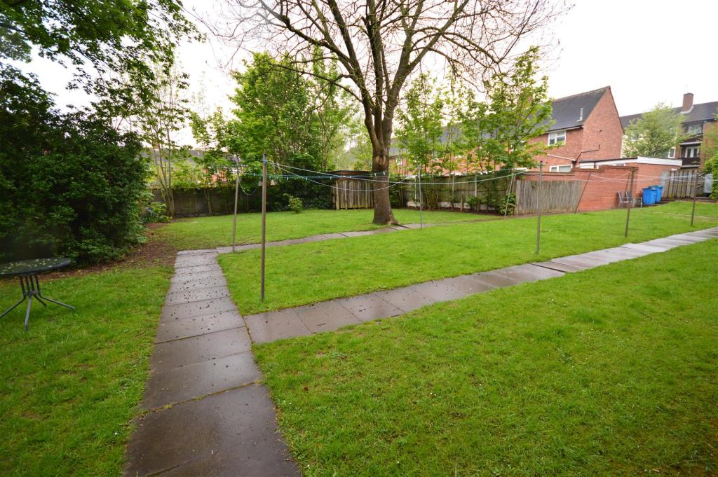 23) communial garden