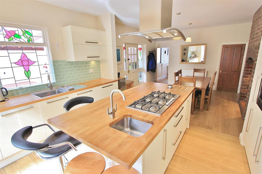 Kitchen Diner Angle 4