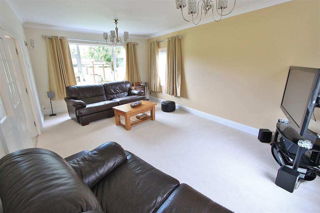 lounge angle 1