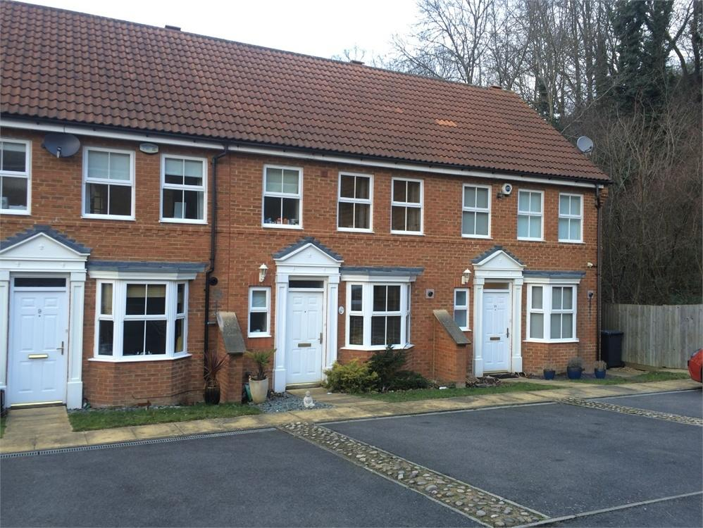 2 Bedroom Terraced House To Rent In Padstow Close Orpington Kent BR6