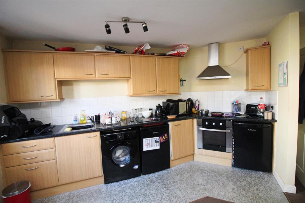 Kitchen (open plan t