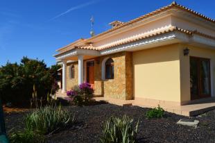 Villa in Triquivijate...