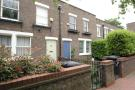 2 bed property in Usborne Mews, London