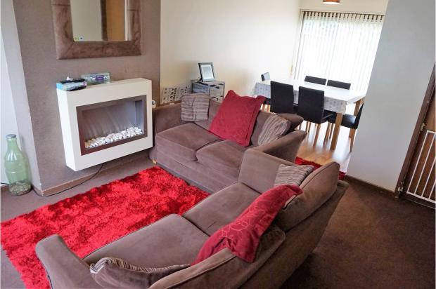 Lounge/Dining Room