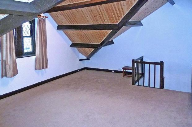 Bedroom 2 / Attic