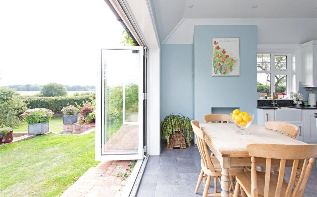 Kitchen Onto Garden