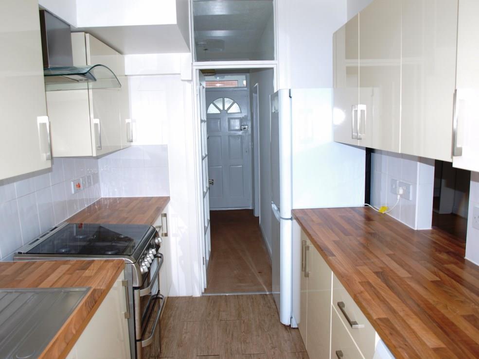 102 Dale ave kitchen