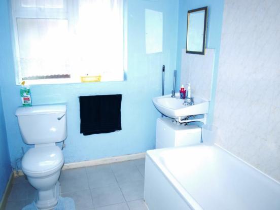 14 Third Ave bathroo