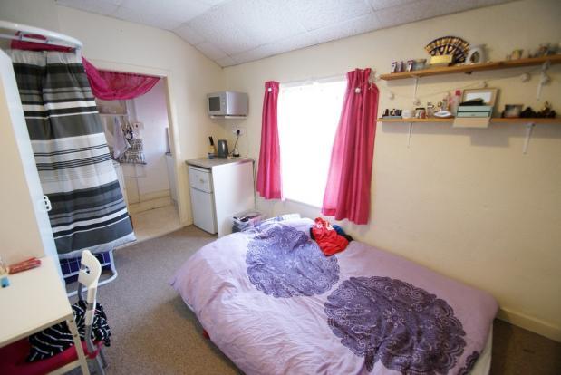 Flat 4 bedroom / ...