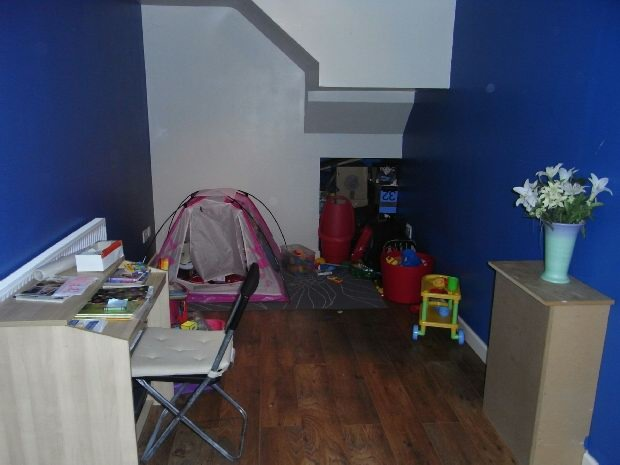 Playroom/bedroom fou