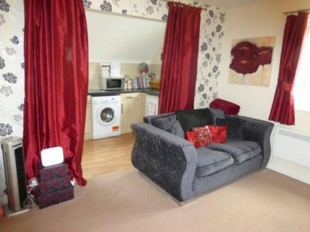 Attractive lounge pi