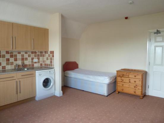 lounge/bedroom