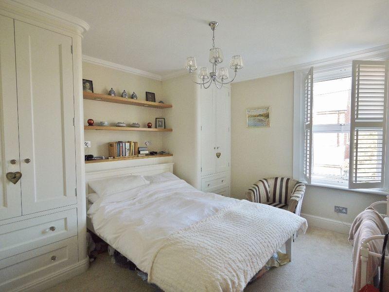 Main bedroom w...