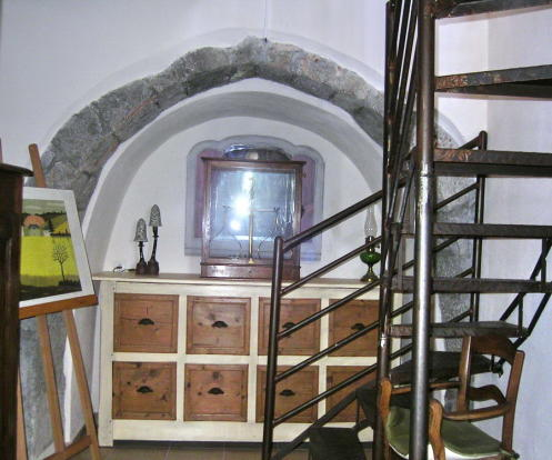 Corner arch