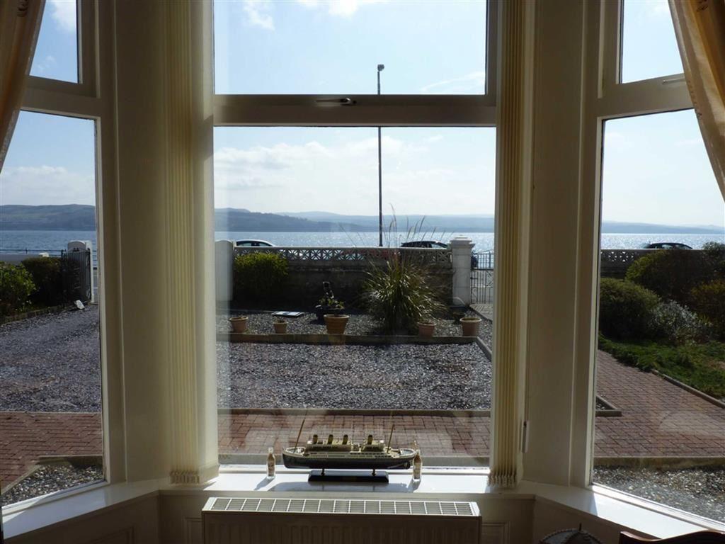 Bay Windowed Lounge