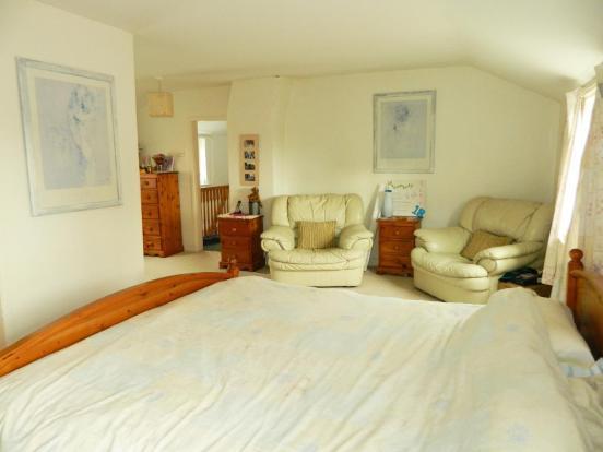 Master bedroom aspect