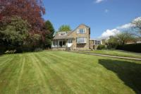 3 bed Detached house in Throstle Nest Drive...