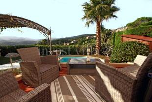 2 bedroom property for sale in Théoule-sur-Mer...