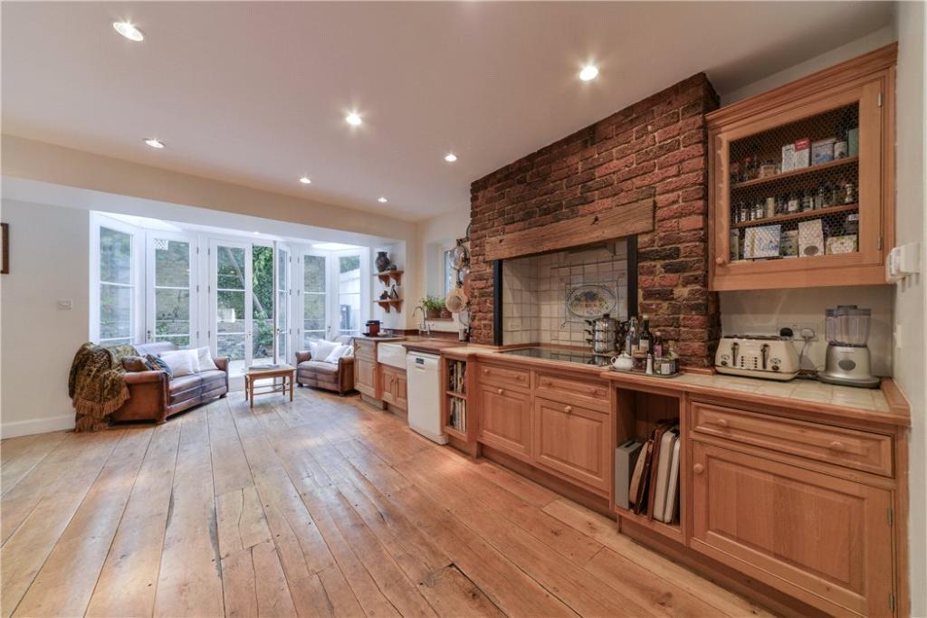 Chelsea: Kitchen