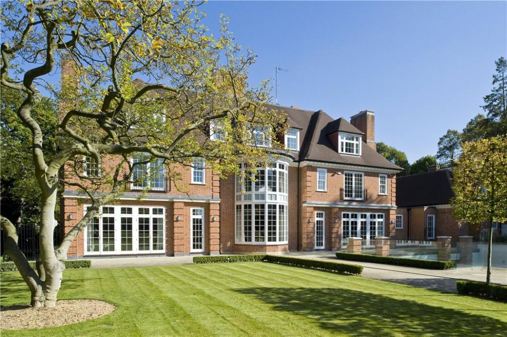 9 bedroom detached house for sale in the bishops avenue for Mansion houses for sale in london