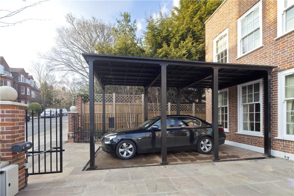 Hampstead: Car Lift