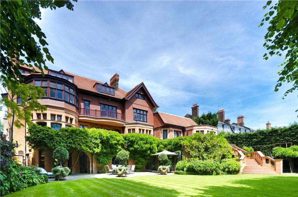 Commercial Property In Hampstead