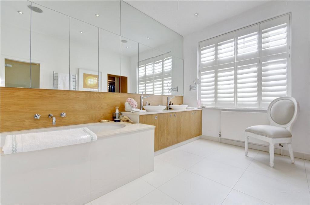 Hampstead: En Suite