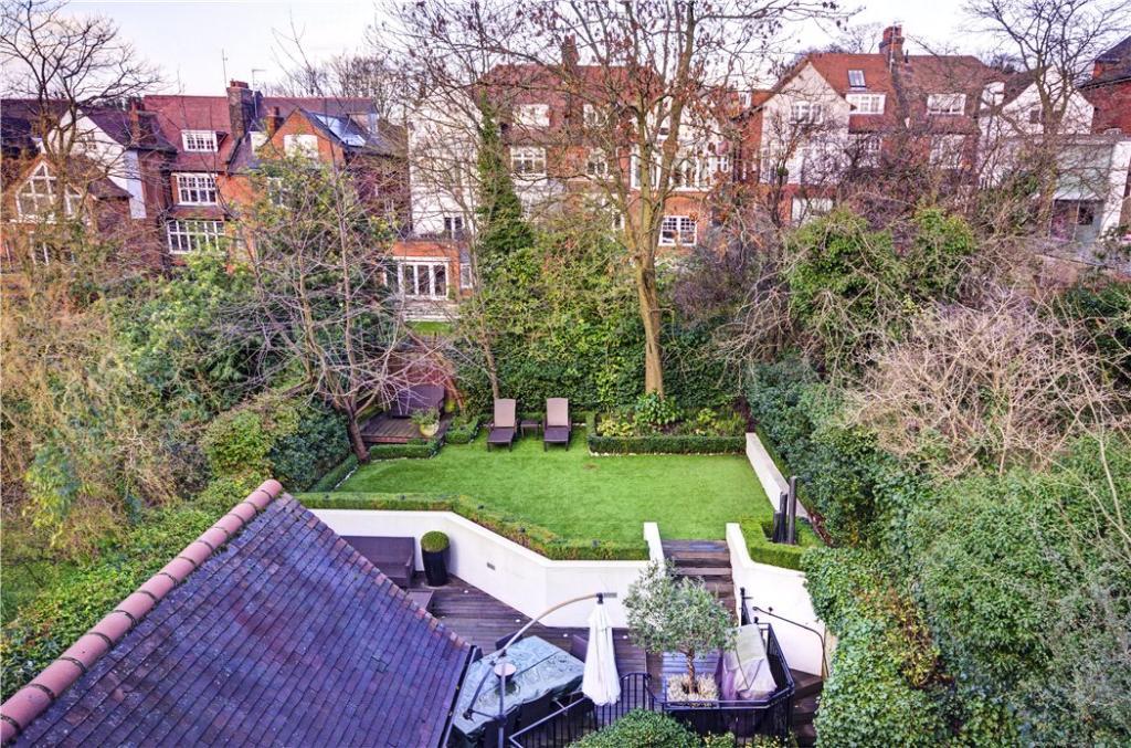 Hampstead: Garden 2