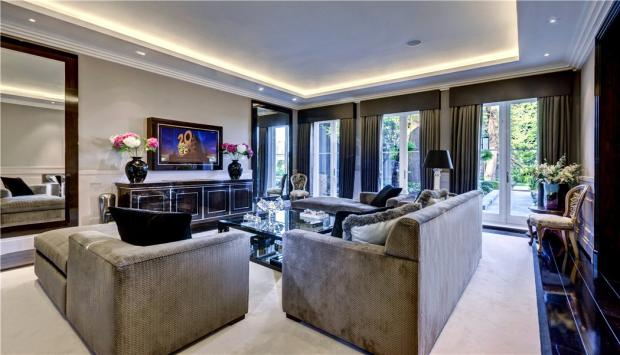Living Room, N6
