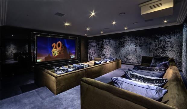 Cinema Room, N6