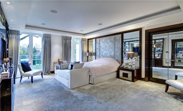 Master Bedroom, N6
