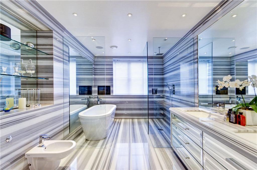 Bathroom, N6