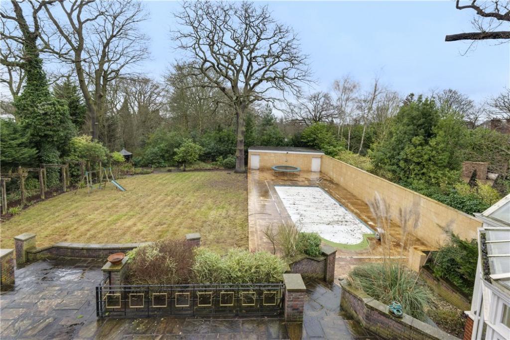 Highgate: Garden 1