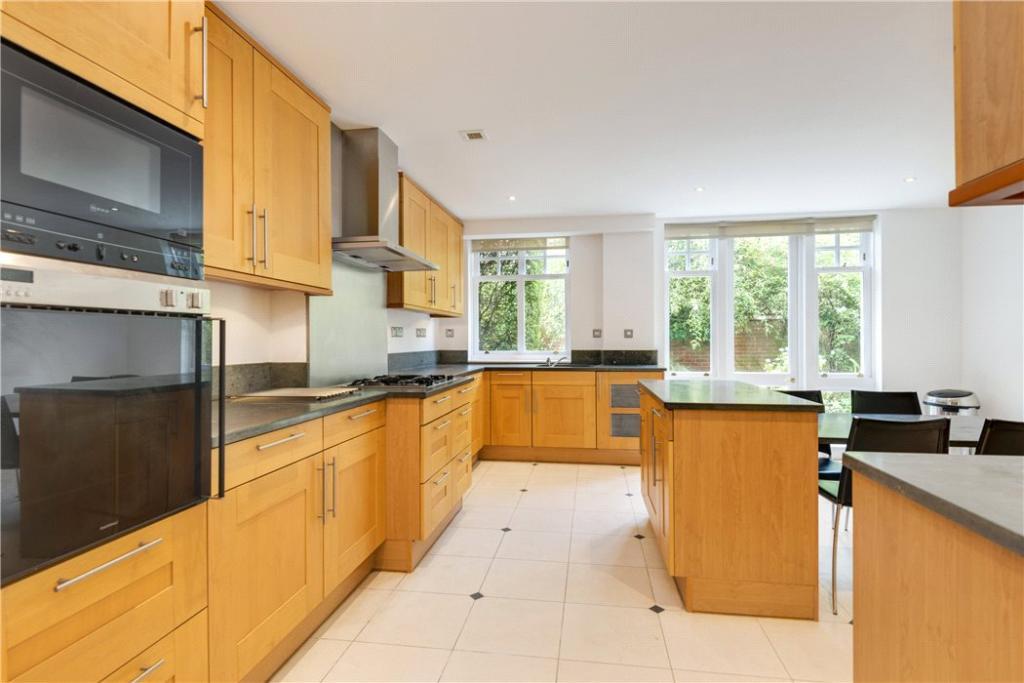 Hampstead: Kitchen 2