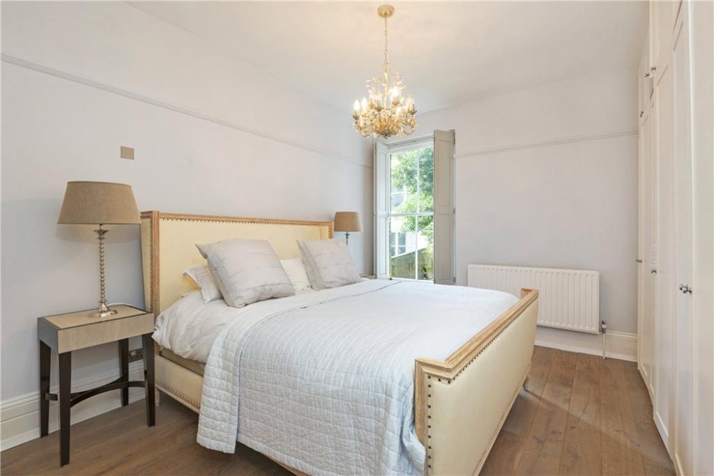 Hampstead: Bedroom