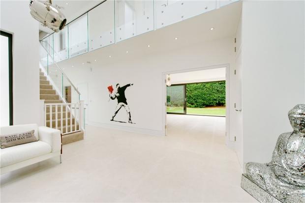 Highgate: Hallway