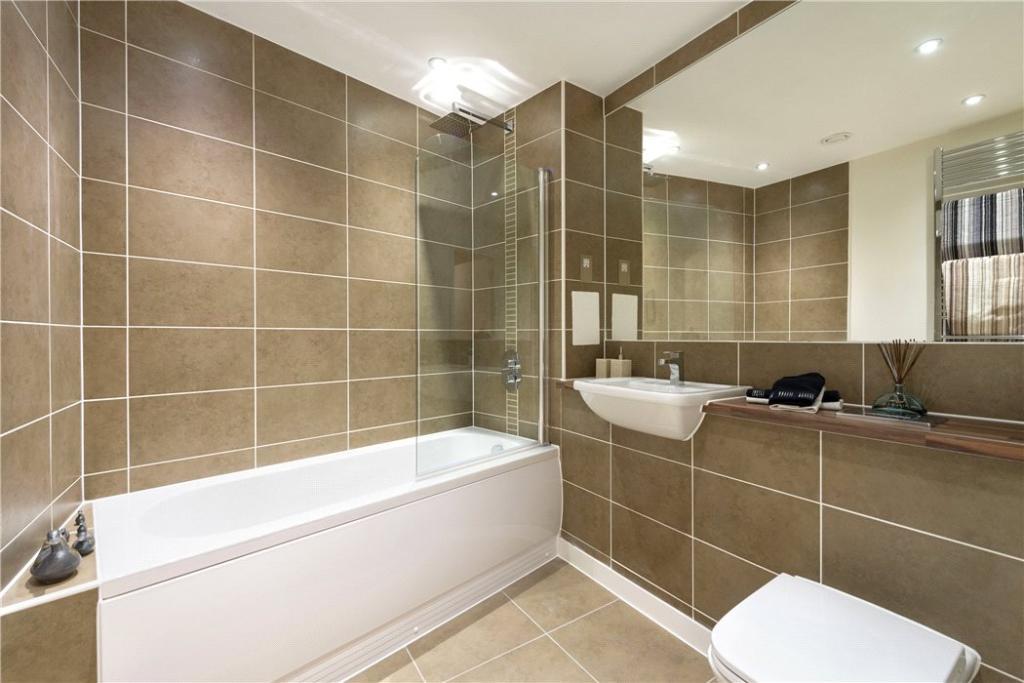 Bathroom, Nw11
