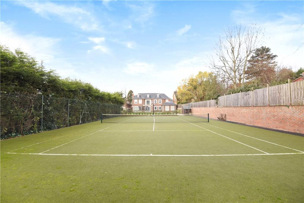 Tennis Court, Nw7