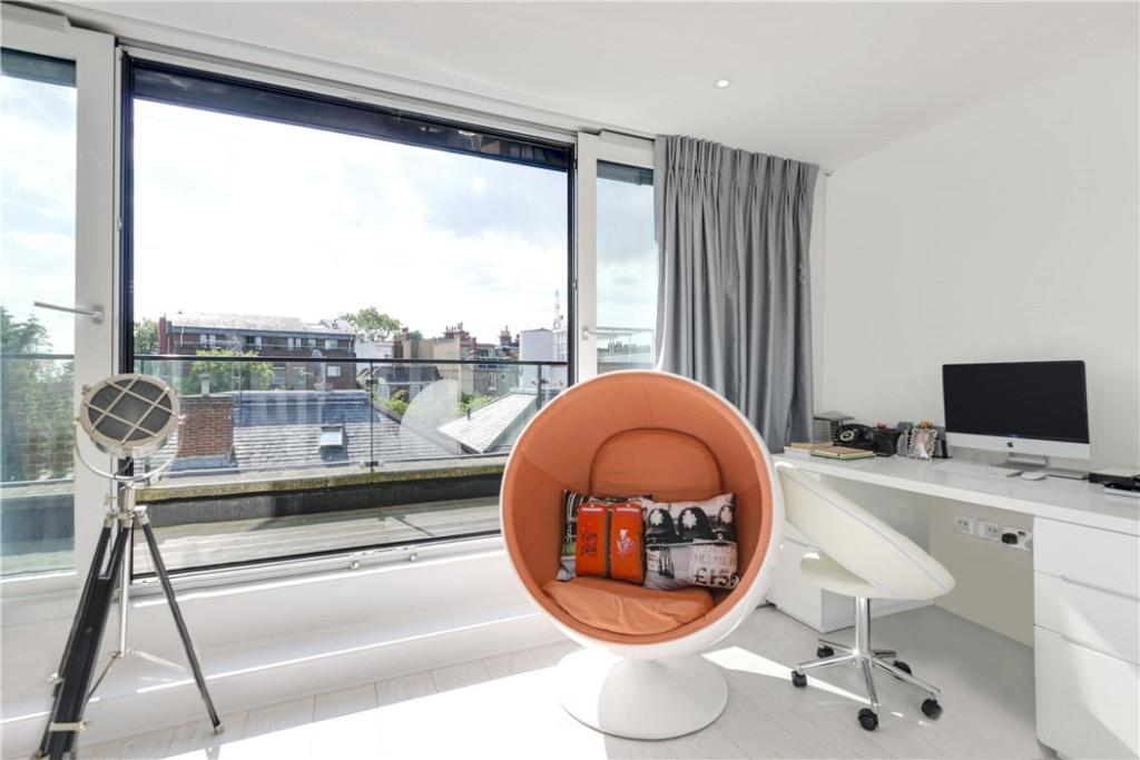 Highgate: Lounge