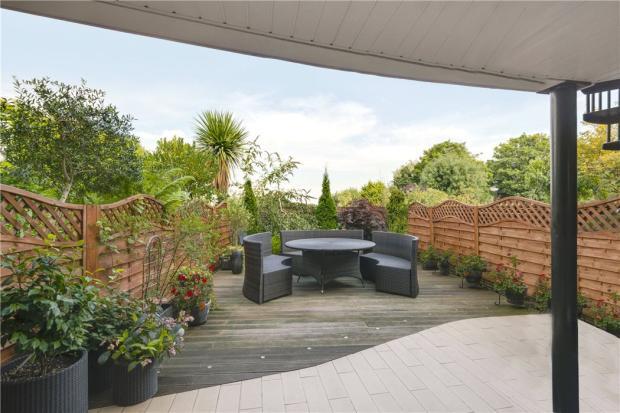 Highgate: Garden