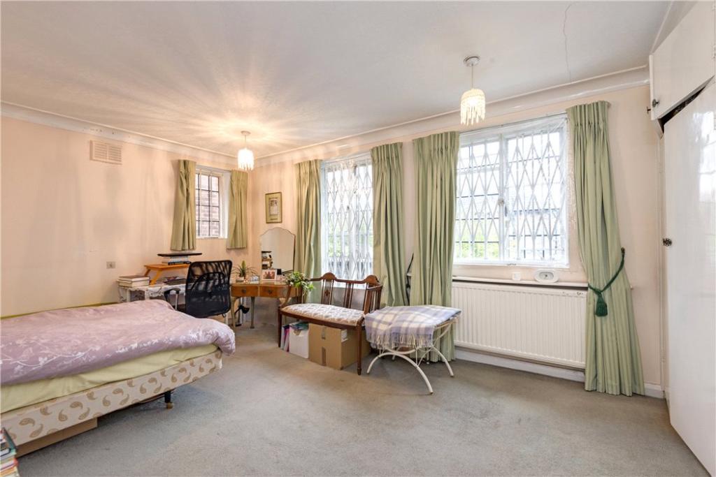 Finchely: Bedroom