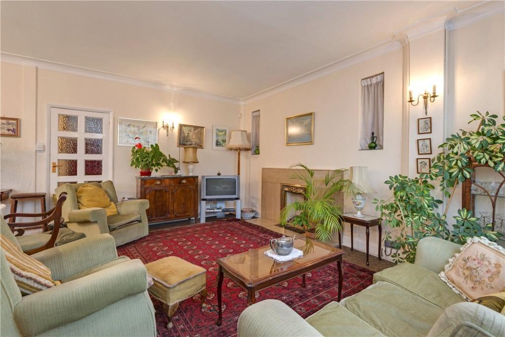 Finchley: Reception
