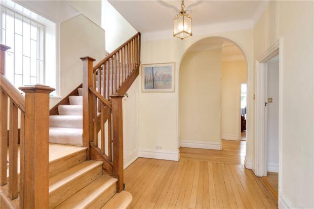 Hallway, N6
