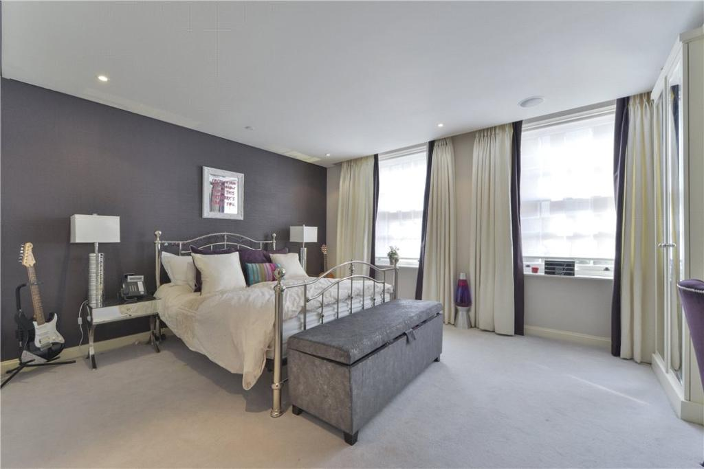 W8 - Master Bedroom