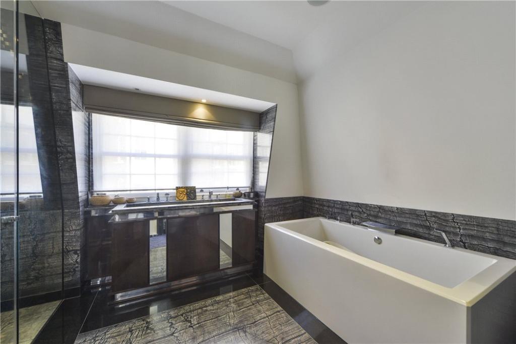 W8 - Bathroom